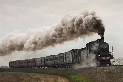 はじめて日本にやってきたのは蒸気機関車